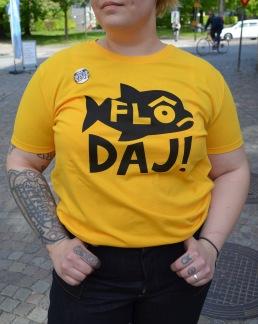 T-shirt: Flô Daj, gul - Size XS