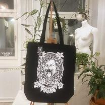 Totebag: Lioness