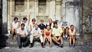 1:a fältkampanjen, 2000. Ö. fr. vänster: B. Kaussel, E. Pinto-Guillaume, A. Freccero, M. Staub Gierow, R. Kettunen, D. Högberg, R. Holmgren, P. Liljenstolpe, M. Johansson, M. Hagedorn, A. Karivieri