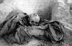 Plundring av en 2000 år gammal grav i Jordanien. Foto: Richard Holmgren