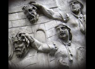 """I Trajanus """"film"""" gör romarna processen kort med dakerna. Detalj på Trajanuskolonnen"""