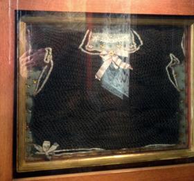Den heliga Birgittas tagelskjorta. Foto: R. Holmgren
