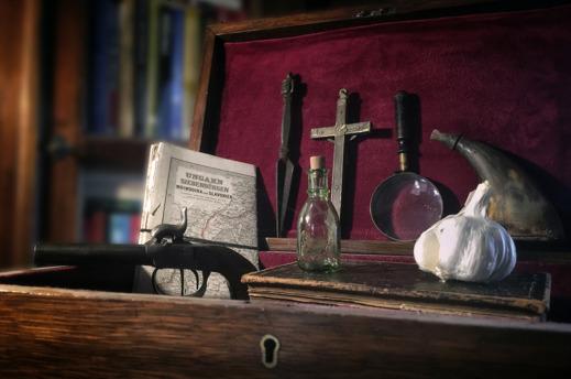 Viktorianskt vampyrkit för resa i 1800-talets Transsylvanien. Foto: Richard Holmgren