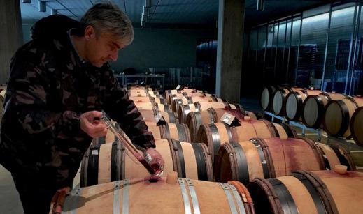 Emanuele Pangrazi producerar vinet Habemus vid San Giovenale.