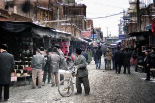 Marknadsgator i staden Kashgar. Foto: Richard Holmgren