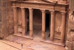El-Kazneh, 60 år efter kronprinsens besök. Här med alla sina kolonner restaurerade. Foto: Richard Holmgren