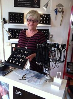 Lena B säljer smycken
