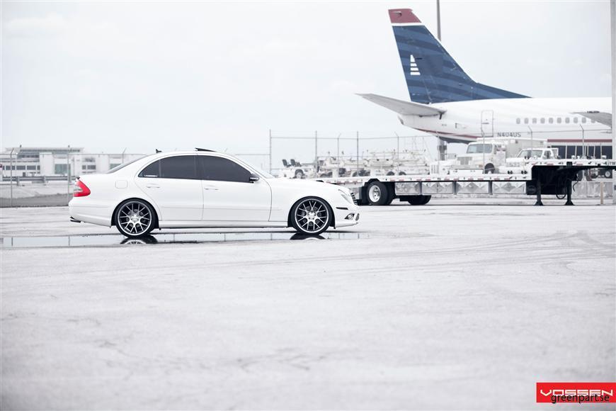 l_Mercedes Benz_E Class_VVSCV2_31e