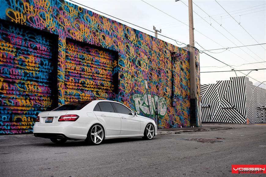l_Mercedes Benz_E Class_VVSCV3_034
