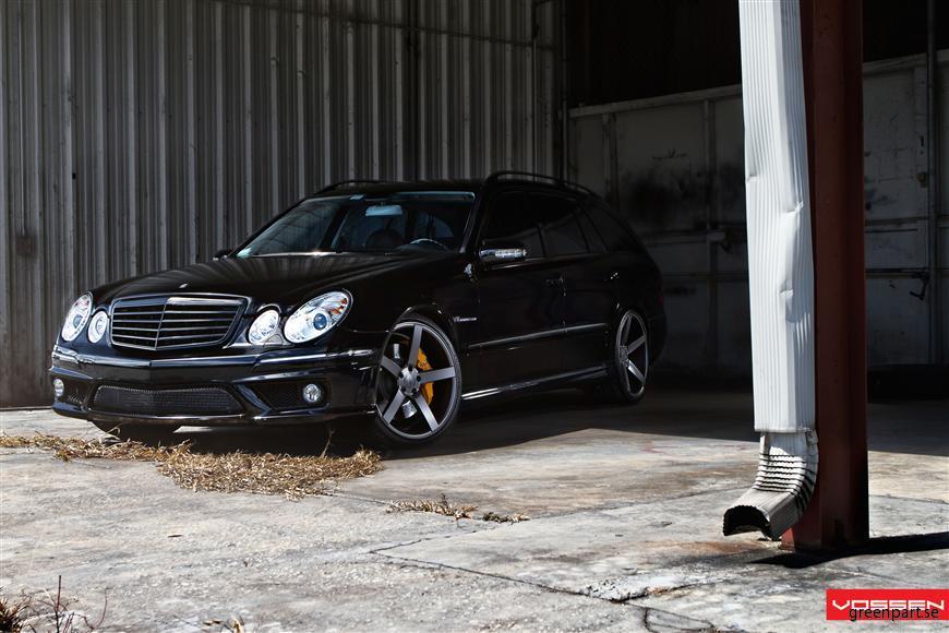 l_Mercedes Benz_E Class_VVSCV3_732