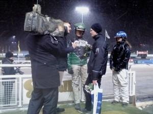 Fernlund intervjuas i vinnarcirkeln på Solvalla förra vintern.