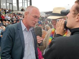 """Mats intervjuas av """"Lillis"""" Olsson under stochampionatshelgen på Axevalla"""