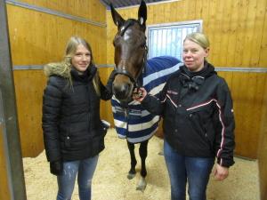 Dotter Erika,hästen Erica,tränare Li Hanné