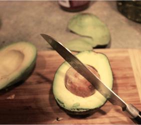Bli inte ledsen nästa gång du får en stor avokadokärna.