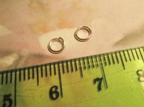 50st Silverfärgade (split) Ringar 5mm.