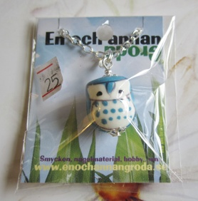 Välj Halsband! med Porslins HÄNGE: Uggla, Kanin, Munk. - Blå Uggla Halsband 45cm