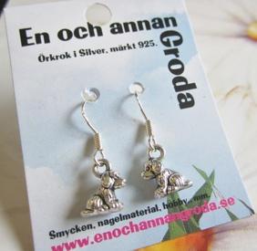 Rara små HUND Örhängen örkrok i silver -