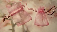 10st Rosa presentpåsar i organzatyg 7x5cm