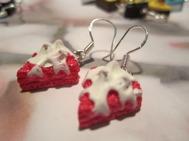 1par ROSA Tårtbit Örhängen med grädde Kitsch Kaka Örkrok i silver