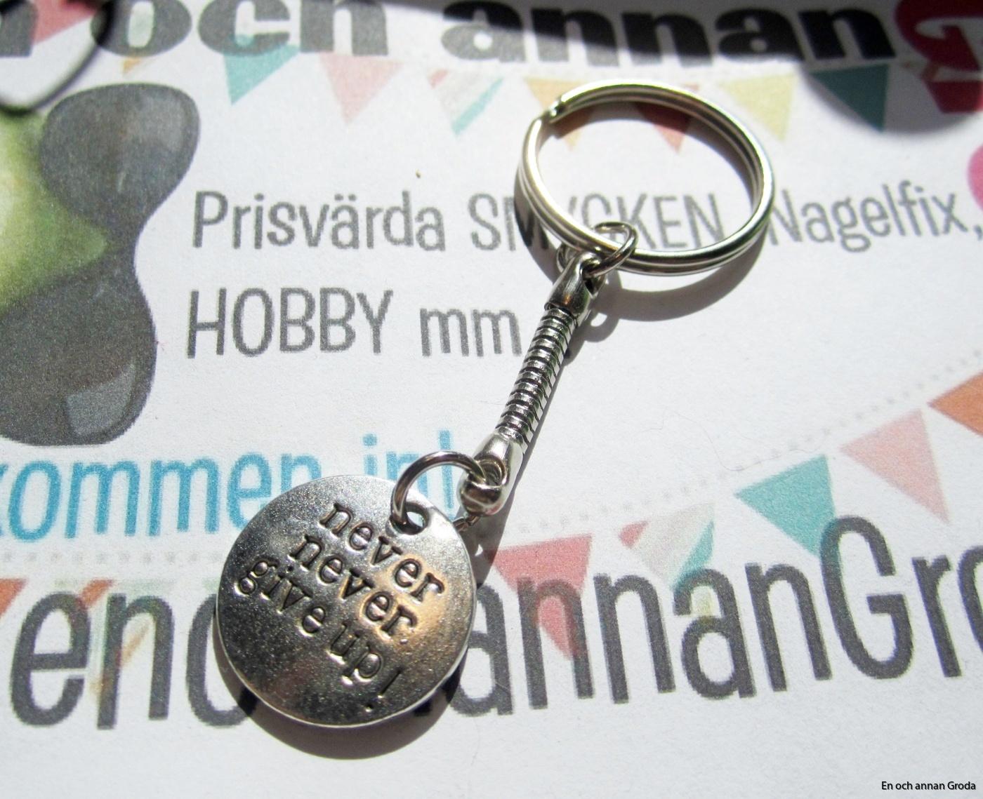 nyckelring never