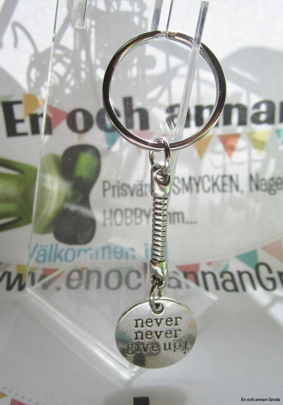 nyckelring never (2)