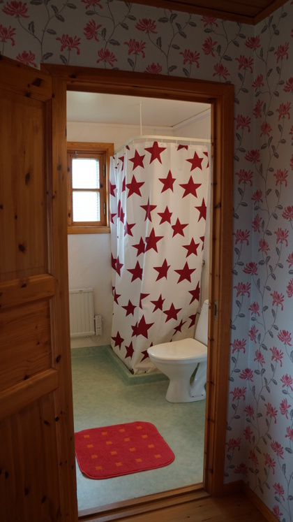 Toalett och dusch i alla stugor