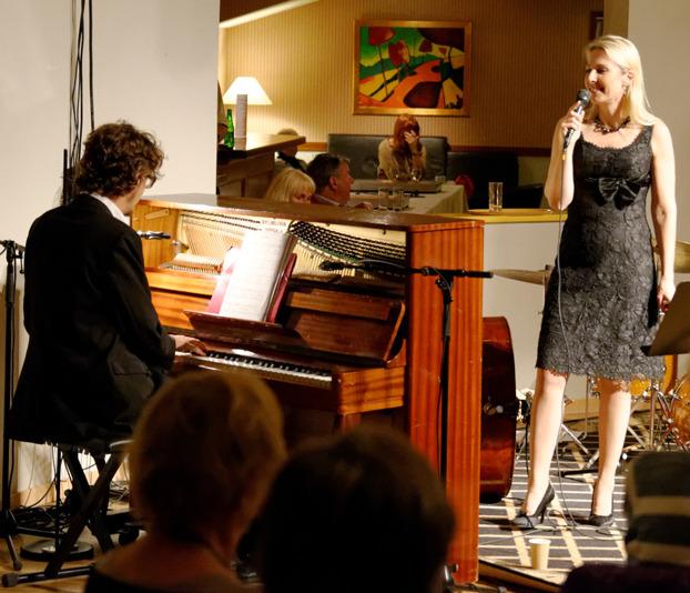 Mathias Algotsson o Margareta Bengtson Foto: Mats Blomberg