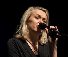 Louise Hoffsten 2