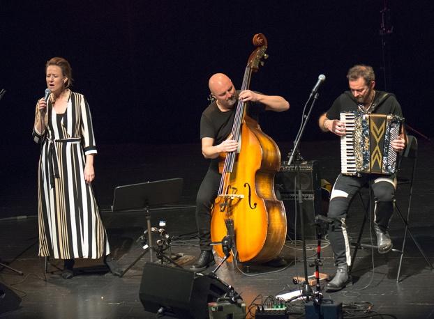 Linda, Lars och Bengan Foto: Mats Blomberg