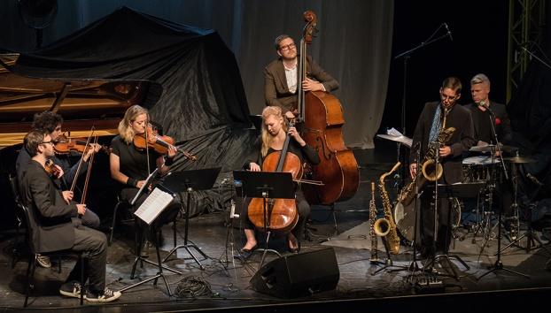 Fredrik Lindborg Trio med stråkkvartett Foto: Mats Blomberg