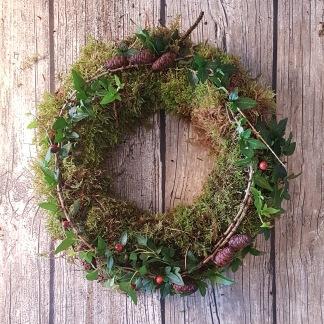 Trädgårdsmästarensval - Julkrans i mossa, mindre