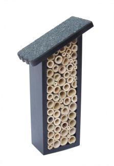 Insektshus för bin & humlor - Insektshus för bin & humlor- mått(h=25 cm, b=8,5 cm, d=6 cm)