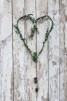 Trädgårdsmästarensval - Enkel hjärtformad krans - material(varierar), mått(h≈30-40cm)
