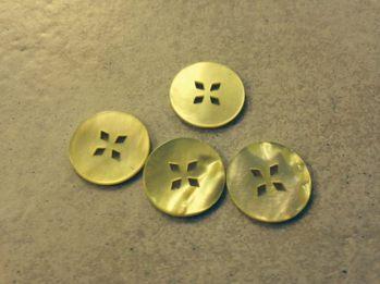 Gul pärlemo knapp - 20mm