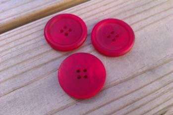 Rödmelerad knapp, stor -