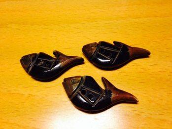 Fisk-knapp i horn -