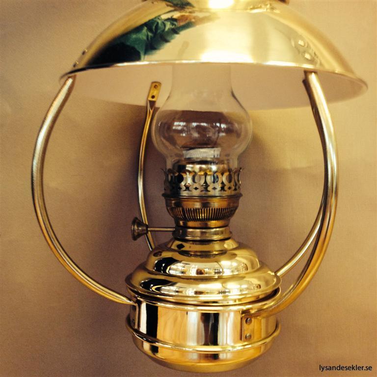 ny mässingsfotogenlampa