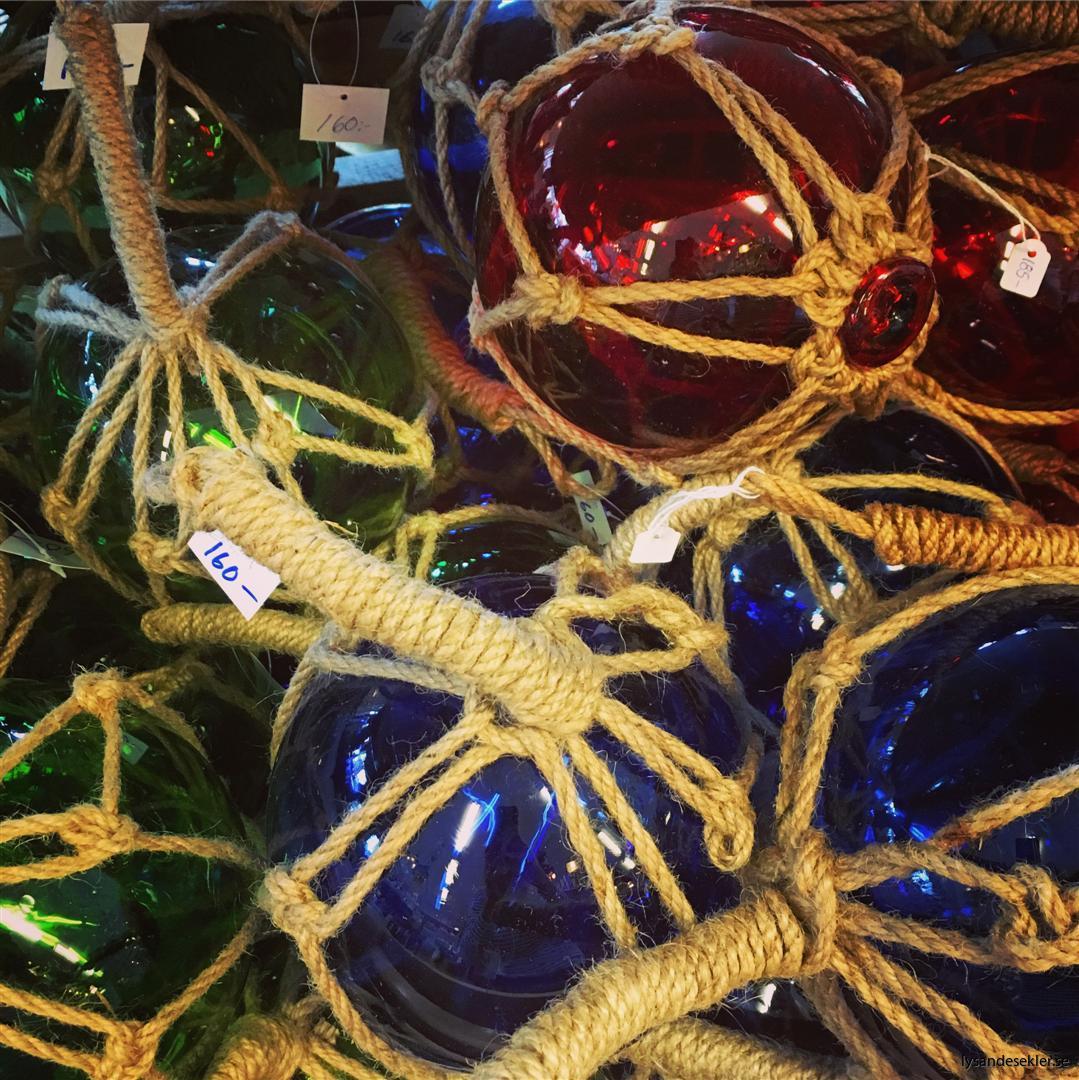 glasflöten i glas röda blåa gröna (Large)