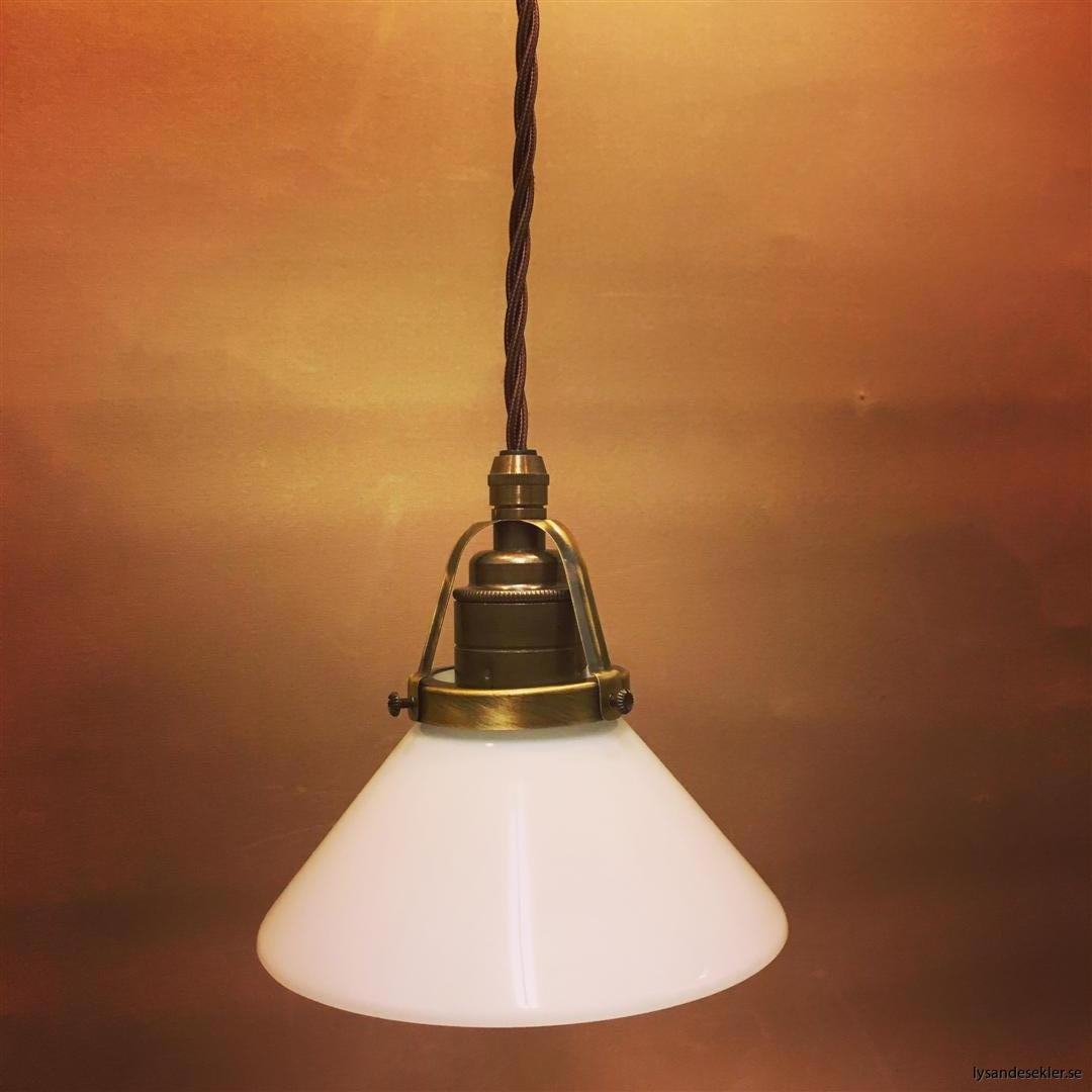 skomakarlampa vit opal tygsladd tvinnad