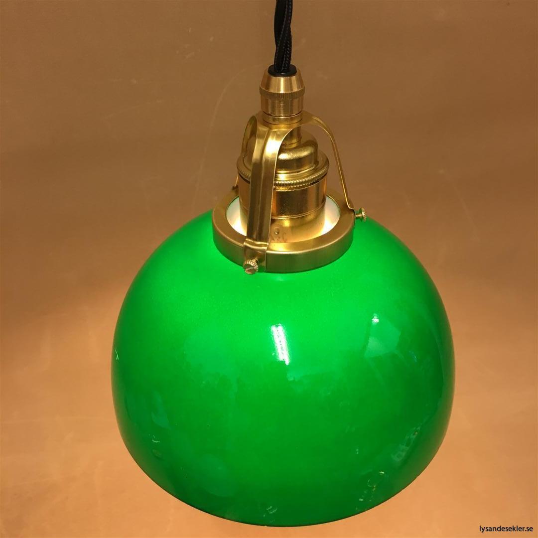 fönsterlampa i tygsladd mässing (50)