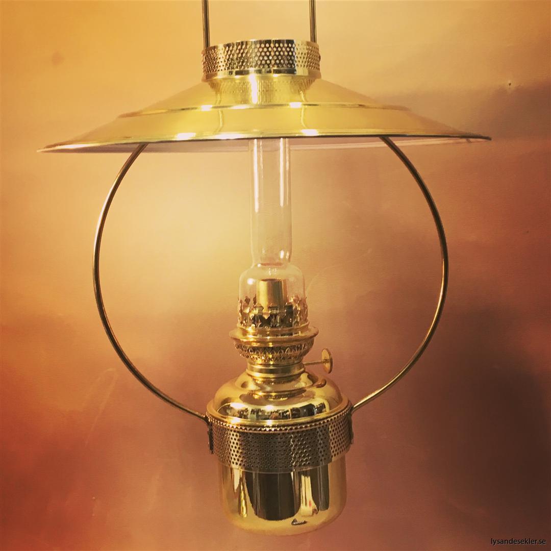 cabinlamp taklampa helt i mässing (1)