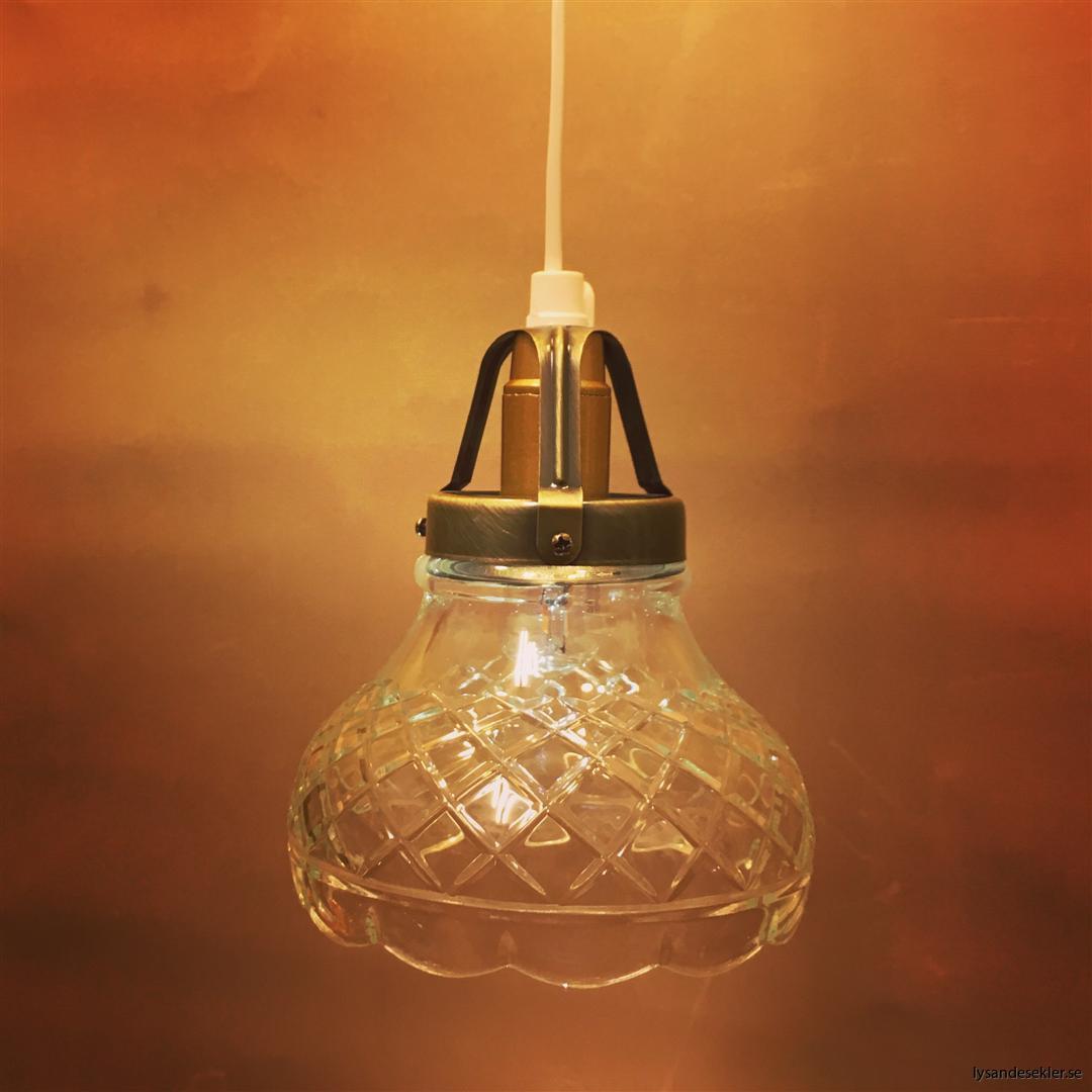 fönsterlampa vit plastsladd med tak- eller väggkontakt (49)