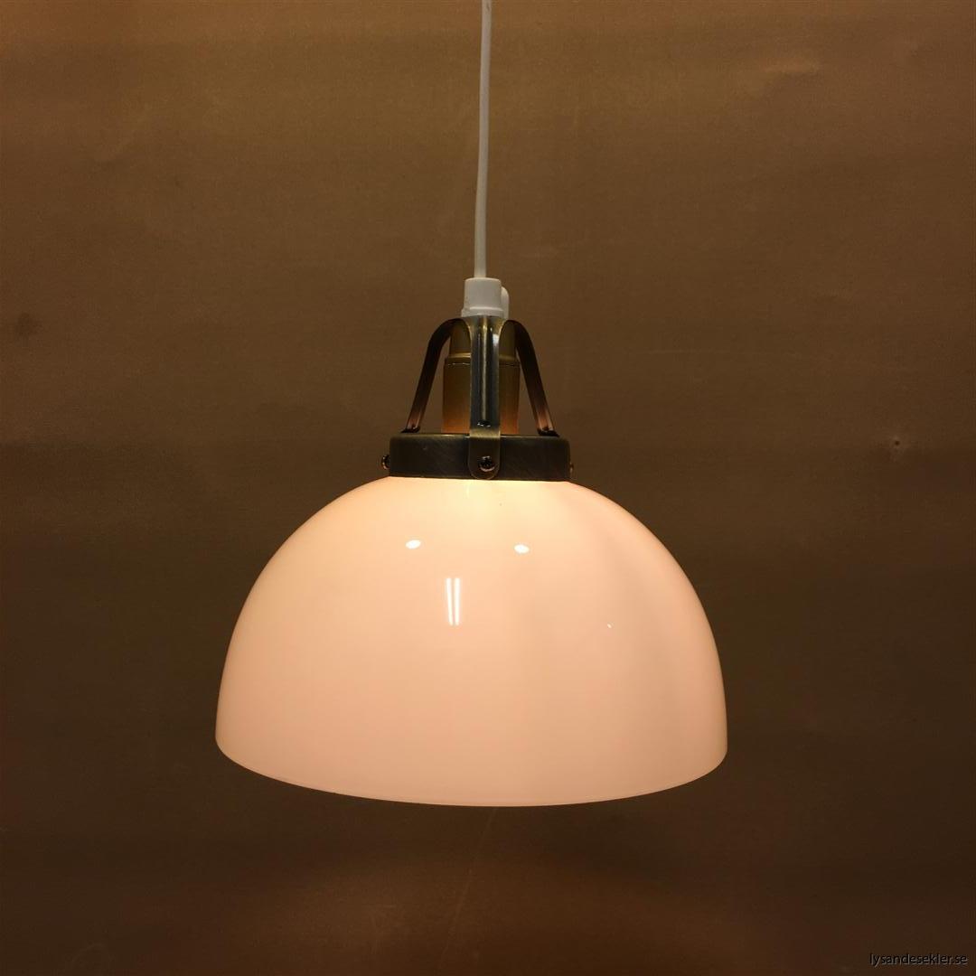 fönsterlampa vit plastsladd med tak- eller väggkontakt (11)