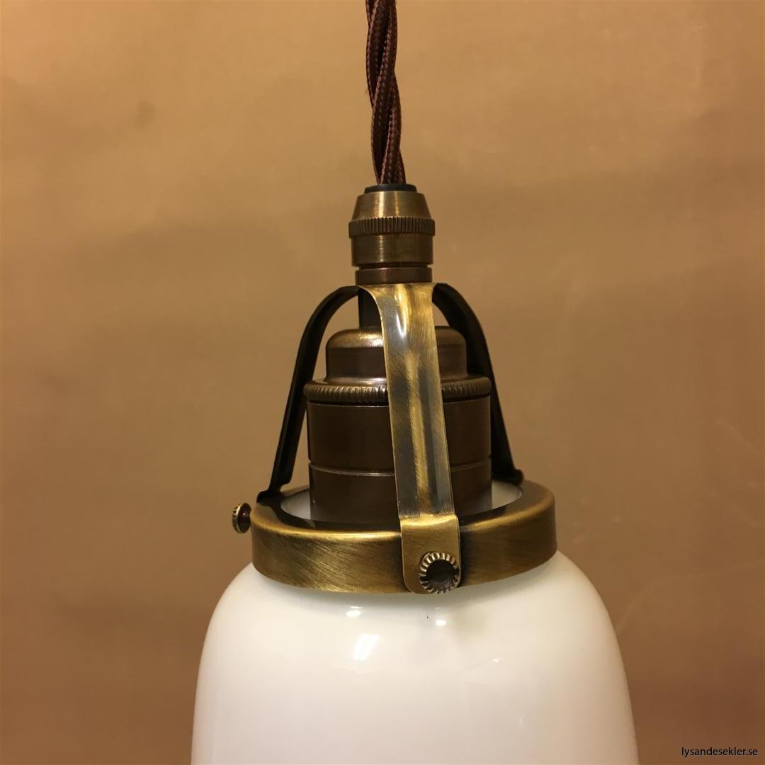 fönsterlampa tygsladd brun antik klofattning (29)