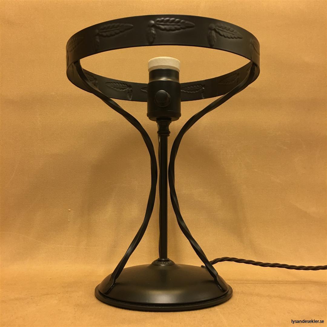 svart fot till strindbergslampa strindbergsfot (3)