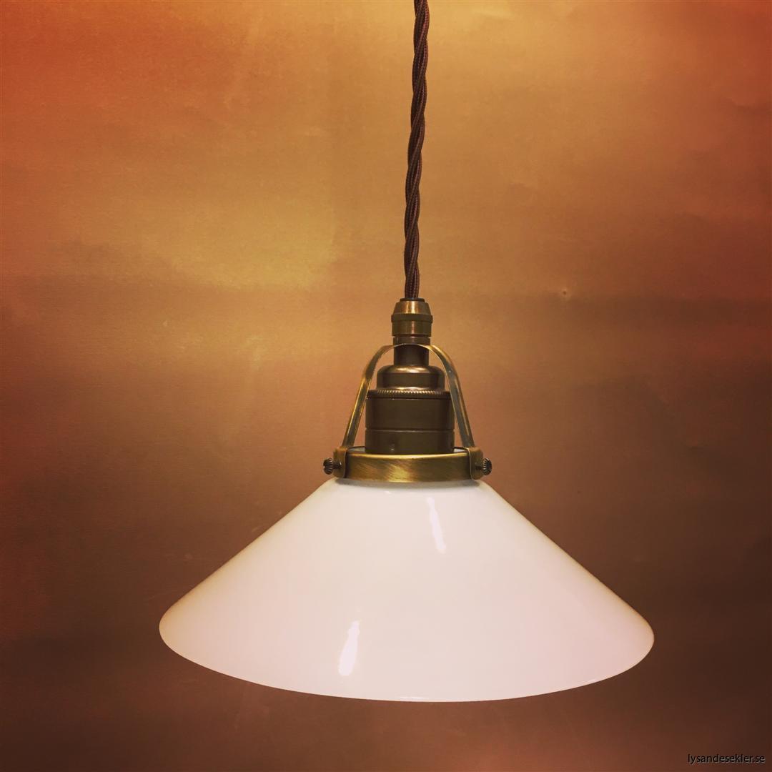skomakarlampa vit opal tygsladd tvinnad (1)