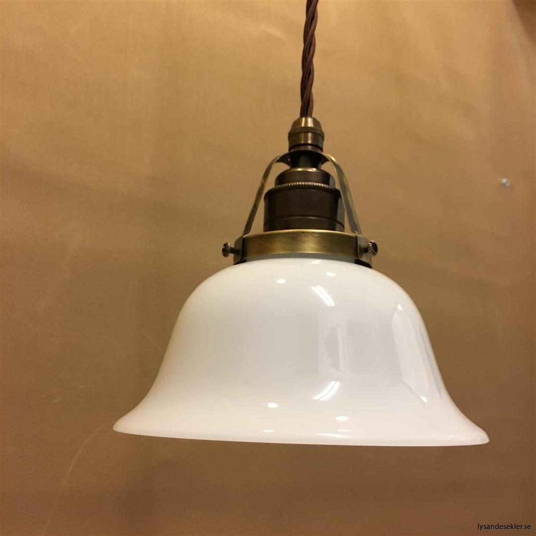 fönsterlampa tygsladd brun antik klofattning (19)