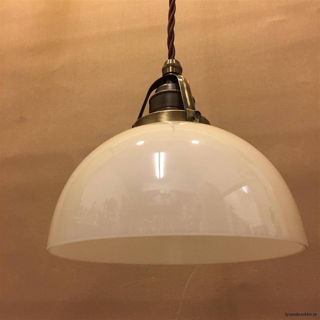 fönsterlampa tygsladd brun antik klofattning (5)