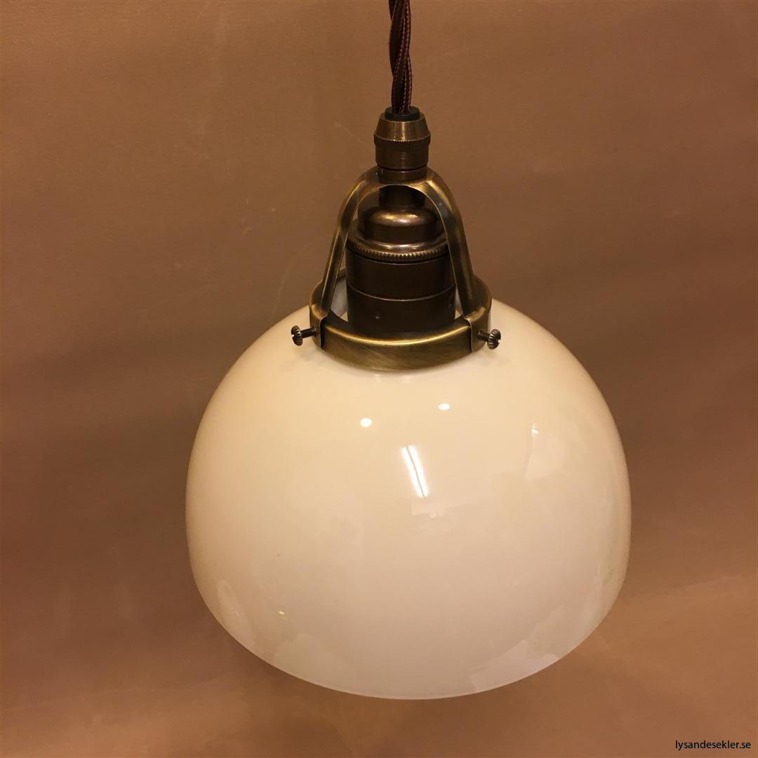 fönsterlampa tygsladd brun antik klofattning (6)