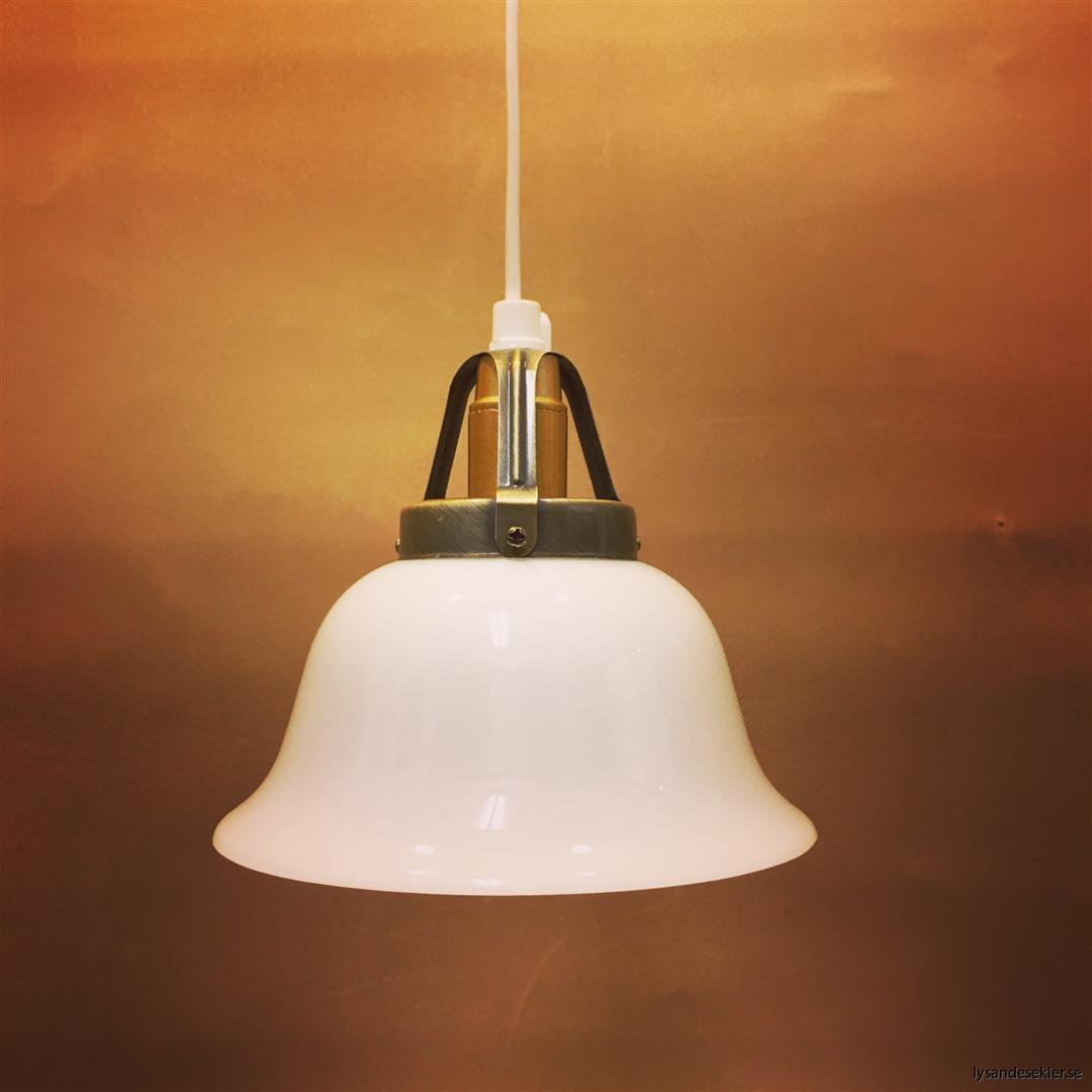 fönsterlampa vit plastsladd med tak- eller väggkontakt (22)